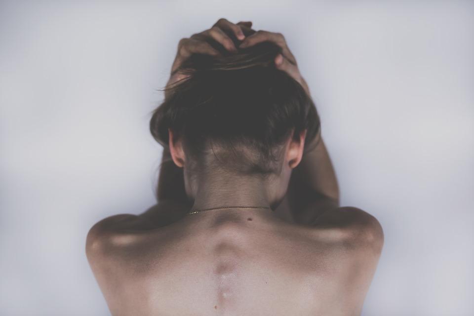 pain woman-2609115_960_720